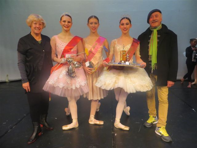 2016-senior-champsleft-deirdre-tarrant-2nd-jemima-scott-3rd-charlotte-gilmour-1st-jordan-mcilwaine-sir-jon-trimmer-007
